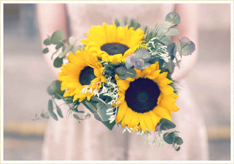 hero-sunflower-wedding-bouquets.jpg